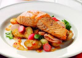 Pečeni losos sa krompirom iz rerne