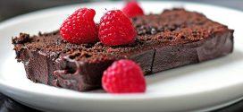 Kolač od čokolade sa malinama