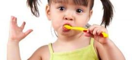 Kako naučiti dete da pere zube?