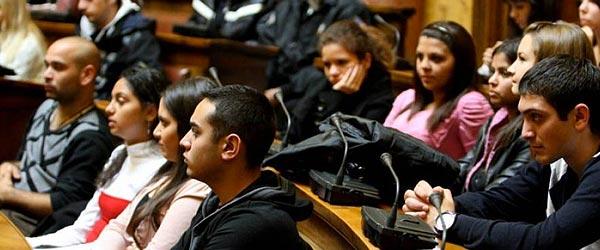 stipendije-za-ucenike-romske-nacionalnosti