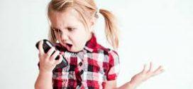 Autizam ili previše gledanja u telefon?